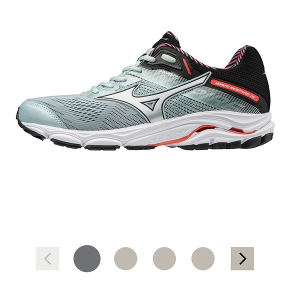 mizuno volleyball shoes size 8.5 15